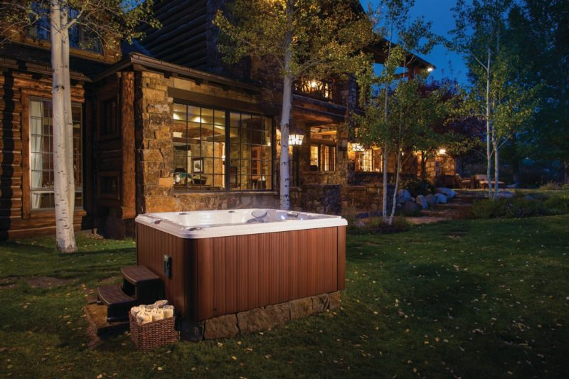 J-245 - Spa Jacuzzi® 6 - 8 places